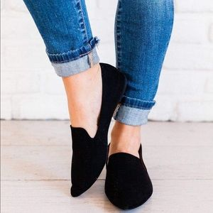 Shoes - Black loafer faux suede shoes